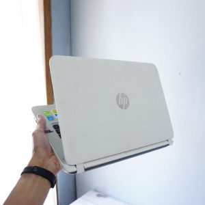 Laptop HP Pavilion 14-V041TX White