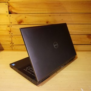 Laptop Dell Precision M6800 Grafis