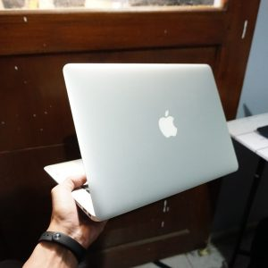 Laptop Macbook Air 13 CTO Early 2015