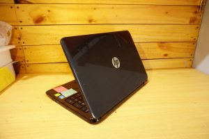 Laptop HP 15-r040tx Core i5 Black