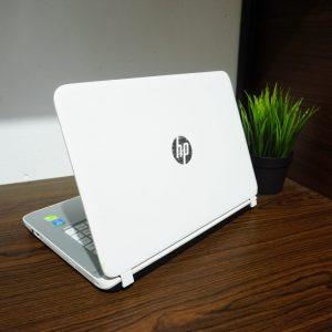 Laptop HP Pavilion 14-V106TX Core i7 White