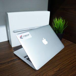 Laptop Macbook Pro ME865 Late 2013 Fullset cc405