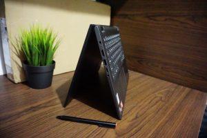 Laptop LENOVO YOGA 530 Ryzen 5 Fullset