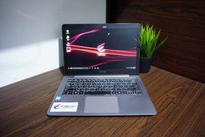 Laptop Asus Zenbook UX310UAK