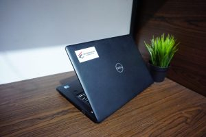 Laptop DELL LATITUDE 3490 (2)