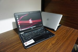 Laptop DELL LATITUDE E7240 i5